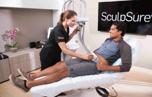 A man getting a SculpSure treatment in Baltimore, MD